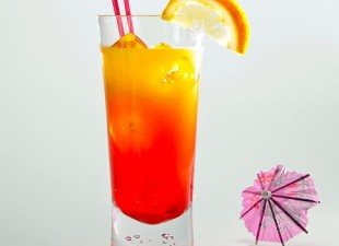 "Koktel ""Tequila sunrise"""