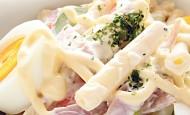 Salata sa testeninom, šunkom i jajima