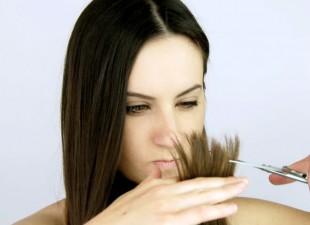 Budite sami svoj frizer: Evo kako da ošišate ispucale krajeve