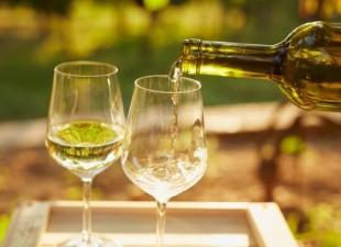Da li znate zašto su vam usta suva nakon čaše belog vina?