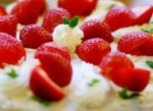 Beze voćni kolač