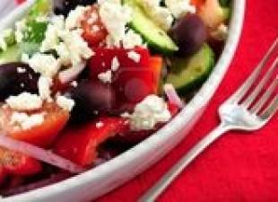 Kalamata salata