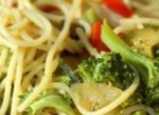 Rezanci sa brokolijem i bademima