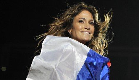 Dženifer Lopez sa zastavom Srbije