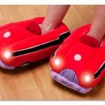 Crvene patofne u obliku automobila